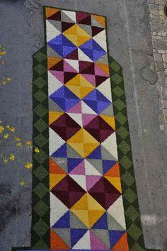 Infiorata di Spello: oltre 1 km di coloratissimi e profumati tappeti di petali (FOTO e VIDEO)