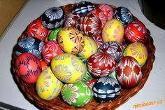Vzory na kraslice Happy Easter Wishes, Spring Recipes, Easter Eggs, Patterns, Decor, Food, Block Prints, Decoration, Essen
