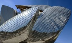 Fondation Louis Vuitton - Architect Frank Gehry