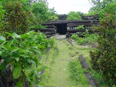 the-mysterious-ruined-sunken-city-of-nan-madol-in-micronesia-2
