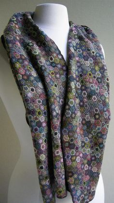 Inspiration- Sophie Digard Hexagon Liliput Scarf - I assume each Hex being max. 1 inch in diameter....