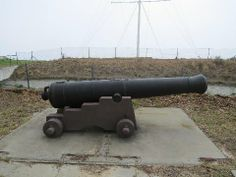 Noon Gun, Signal Hill, Cape Town - other artillery on display