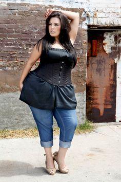 Such a beautiful woman (Rosie Mercado) Curvy Girl Fashion, Plus Size Fashion, Chubby Girl, Plus Size Beauty, Plus Size Model, White Girls, Sexy Outfits, Beautiful People, Fashion Beauty