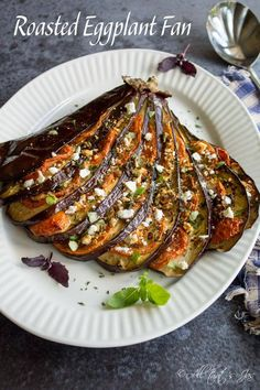 This delightful eggplant fan can be served warm or cold as a main dish, side dish or as a filling for a sandwich. / All that Jas / @jas65