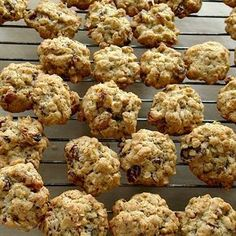 Oatmeal Raisin Cookies, Dukan Diet, Vegan Sweets, Raw Vegan, Cake Recipes, Biscuits, Caramel, Deserts, Muffin