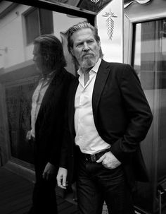 """Actor Jeff Bridges poses for a portrait during the press junket for the feature film """"TRON: Legacy"""" in Los Angeles on Friday, Nov. Jeff Bridges, Lloyd Bridges, Pretty People, Beautiful People, Beautiful Men, Hollywood, Interesting Faces, Famous Faces, Movie Stars"""
