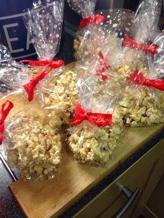 Vicki-Kitchen: Christmas popcorn (slimming world friendly)