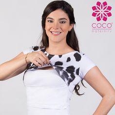 Blusa open neck blanca, modelo cheeta. Combínala con lo que tú quieras. Ideal para tu etapa de lactancia. Cómprala en www.cocomaternity.com