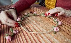 manualidad con flores de tela