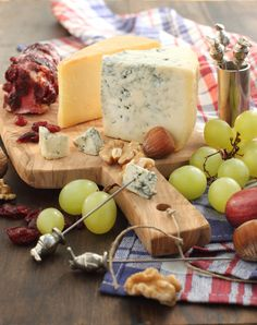 Building Blocks for the Perfect Cheeseboard
