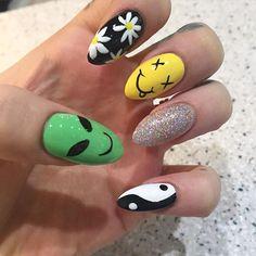 nail makeup nail art nailart nail designs inc nail makeup harley gardens blue prom dress makeup nail design makeup games nail art designs makeup nailart Best Acrylic Nails, Acrylic Nail Designs, Nail Swag, Hippie Nails, Hippie Nail Art, Alien Nails, Grunge Nails, Gel Nails, Manicure
