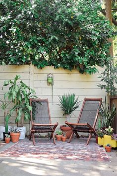chairs, indoor/outdoor rug | design sponge