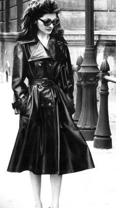 Linda Morand by Helmut Newton _ Vogue Paris, September 1973.