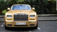 'Las calles de Londres están pavimentadas con oro', dice el dicho. Y esta semana, la leyenda se hizo realidad. Entre los buses rojos de dos pisos y los taxis negros, unos lujosos autos dorados