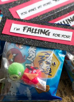 DIY: Angry Bird Valentines from the doityourselfdivas.blogspot.com. -----wish I would have seen this in February...so cute!!