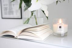 Homevialaura | cozy autumn reading | book | Jo Malone scented candle