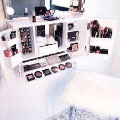 Wall Mounted Makeup Organizer Vanity por bleachla en Etsy