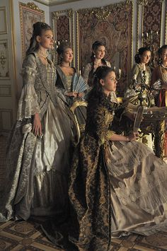 Reminds me of the twelve dancing princesses. 18th Century Dress, 18th Century Fashion, 19th Century, Historical Costume, Historical Clothing, Marie Antoinette, Tanz Der Vampire Musical, Moda Medieval, Moda Retro