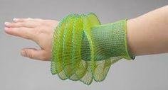 Orfebre y artista textil innovadora: Arline Fisch