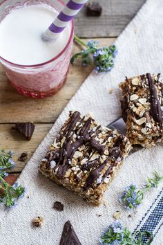 Healthy No-Bake Salted Dark Chocolate Chunk Oatmeal Cookie Bars | halfbakedharvest.com