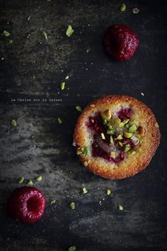 mini rasperry and pistachio cake | baked goods . Backwaren . pâtisseries | Food. Art + Style. Photography: Food on black by Christelle @ Flickr |