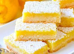 Easy Lemon Bars - made with only 5 simple ingredients! - Desserts Super Easy Lemon Bars - made with only 5 simple ingredients! - Desserts - Super Easy Lemon Bars - made with only 5 simple ingredients! Lemon Coconut Bars, Best Lemon Bars, Lemon Cake Bars, Recipe For Lemon Bars, Recipes With Lemon, Lemon Brownies, Lemon Dessert Recipes, Easy Lemon Squares Recipe, Desserts With Lemon