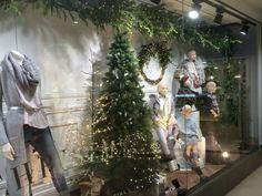 Next - Christmas Windows - Seasonal - Lifestyle - Visual Merchandising - www.clearretailgroup.eu