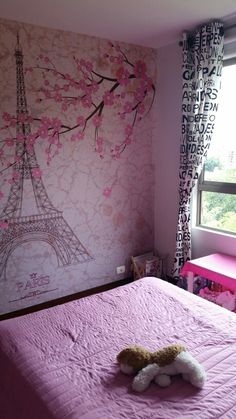 París girl bedroom