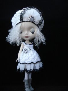 Cuppa Tea and cake dress and hat set for Blythe doll by polly