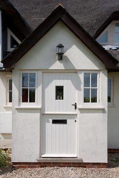 80 The Best Front Porch Ideas landscape ideas front yard, porch… – Front Yard İdeas House Front Porch, Cabin Porches, Front Porches, Cottage Porch, Cottage Exterior, Porch Extension, Extension Ideas, Front Door Overhang, Best Front Doors