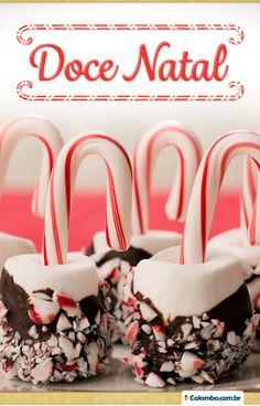 Compre marshmallows para fazer decorações deliciosas. Acompanhado de bengalinhas natalinas, fica o doce perfeito para a noite de Natal.