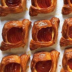 🇩🇰 - Two words. Quince. Danish. You're welcome. - #lunecroissant