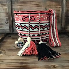 One of my favorites 🖤💕 #ngo #❤️ #wayuu #style #ethicalfashion #indigenousrights #ootd #love #mochila #fblogger #fashion #fashionblogger #칠라백 #와유백 #독특한 #排他的 #獨家 #퓨전 #融合 #聚變 #애정 #愛 #愛 #귀엽다 #可愛い #taiwan #china #wayuulovers #zürich