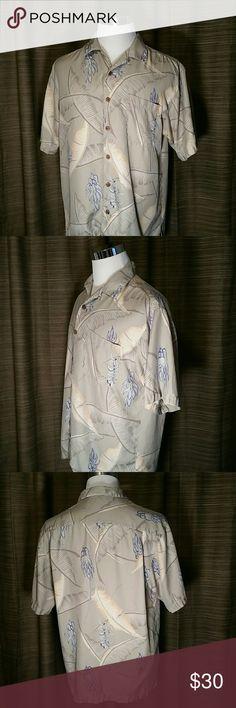 Medium Tommy Bahama 100% Silk Hawaiian shirt Tommy Bahama Hawaiian Shirt  100% Silk Tommy Bahama Shirts Casual Button Down Shirts