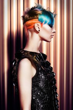 SHY + FLO - Chimera reloaded +++ M A D R I D #shyandflo #shyflo #haircolor #hairdye #colorhair #цветныеволосы #окрашивание #колорирование #креатив Photography: David Arnal Makeup: De Maria