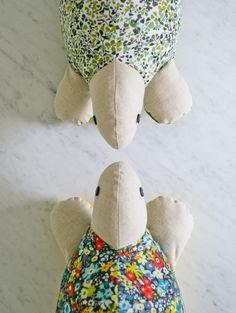 Baby friendly turtle softie pattern - FREE!