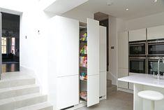 Tall kitchen pull out larder Kitchen Pulls, Kitchen Drawers, Kitchen Storage, Tall Cabinet Storage, Kitchen Extension Open Plan, Extension Ideas, Larder Unit, German Kitchen, Corner Storage