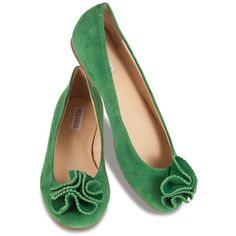 Inna in Green (4.545 RUB) ❤ liked on Polyvore featuring shoes, flats, green, sapatos, sapatilhas, green evening shoes, flat evening shoes, flower flats, suede flat shoes and blossom shoes