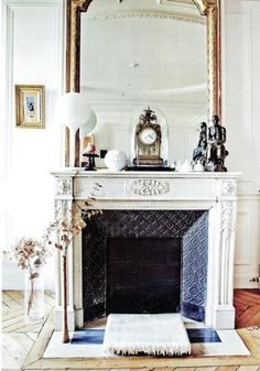 4 Awesome Cool Tips: Fireplace Classic Texture fireplace photography floral design.Shiplap Fireplace With Bench fireplace and mantels stacked stones.Fireplace With Tv Furniture Arrangement. Black Fireplace, Fireplace Design, Fireplace Mantles, Classic Fireplace, Gas Fireplace, Fireplaces, Fireplace Mirror, Farmhouse Fireplace, Electric Fireplace