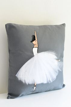 Etsy の Accent Pillow Ballerina Cushion Cover by ShenasiConcept