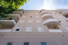 Résidence Parc Azura - Toulon (83) © Ecliptique / Laurent Thion Mansions, House Styles, Home Decor, Toulon, Decoration Home, Manor Houses, Room Decor, Villas, Mansion