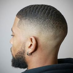 Bald Fade with Waves Best Waves Haircuts For Black Men: Cool 360 Waves with Te Black Man Haircut Fade, Low Taper Fade Haircut, Temp Fade Haircut, Short Fade Haircut, Black Hair Cuts, Black Men Haircuts, Black Men Hairstyles, Haircut Men, Modern Haircuts