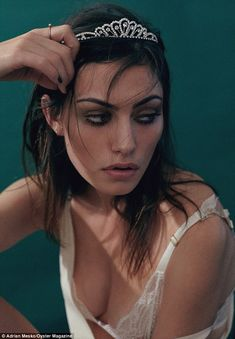 Seductive princess: Australian actress Phoebe Tonkin poses in a sultry beauty shoot for Oyster magazine Phoebe Tonkin, Pretty People, Beautiful People, Behati Prinsloo, Oyster Magazine, Cw Series, Elsa Hosk, Kendall Jenner, Jolie Photo
