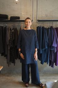 Pinning for style Mature Fashion, Over 50 Womens Fashion, Daily Fashion, Mode Outfits, Fashion Outfits, Quoi Porter, Advanced Style, Work Wardrobe, Linen Dresses