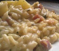 * Risotto con aromi, patate e pancetta Best Italian Dishes, Popular Italian Food, Italian Recipes, Italian Cooking, Risotto Recipes, Rice Recipes, Pasta Recipes, Rice Dishes, Pasta Dishes