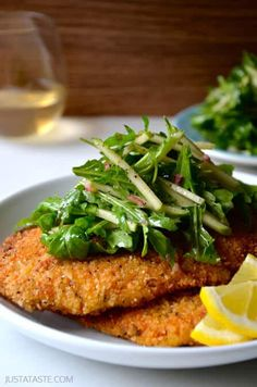 Get dinner on the table in 30 minutes with a quick and easy recipe for the best-ever chicken Milanese topped with a green apple salad. Chicken Milanese, Chicken Cutlets, Turkey Recipes, Chicken Recipes, Dinner Recipes, Recipe Chicken, Apple Chicken, Almond Chicken, Green Apple Salad