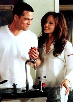 Brad Pitt & Angelina Jolie in Mr. Smith all time favorite! Best Movie Couples, Celebrity Couples, Cute Couples, Power Couples, Brad Pitt And Angelina Jolie, Jolie Pitt, Hugh Jackman, Movies Showing, Movies And Tv Shows
