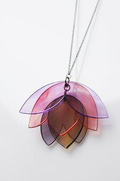 DIY idea - plastic tulip (flower) necklace plexi necklace - K.Litewka