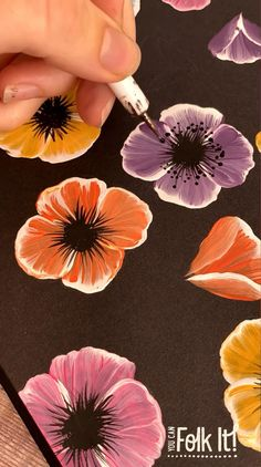 Painting Flowers Tutorial, Acrylic Painting Flowers, Diy Painting, Flower Paintings On Canvas, Creative Painting Ideas, How To Paint Flowers, Poppy Flower Painting, Draw Flowers, One Stroke Painting