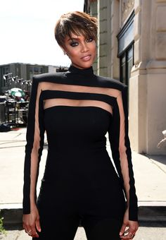 celebritiesofcolor: Tyra Banks attends The Annual Daytime Emmy Awards at Warner Bros. Studios on April 2015 in Burbank, California. BGKI - the website to view fashionable & stylish black girls shopBGKI today Classy Dress, Classy Outfits, Chic Outfits, Look Fashion, Womens Fashion, Fashion Design, Fashion Trends, Tyra Banks, Next Top Model